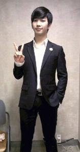 120331 [PICS] MBLAQ Endorsing Customellow5